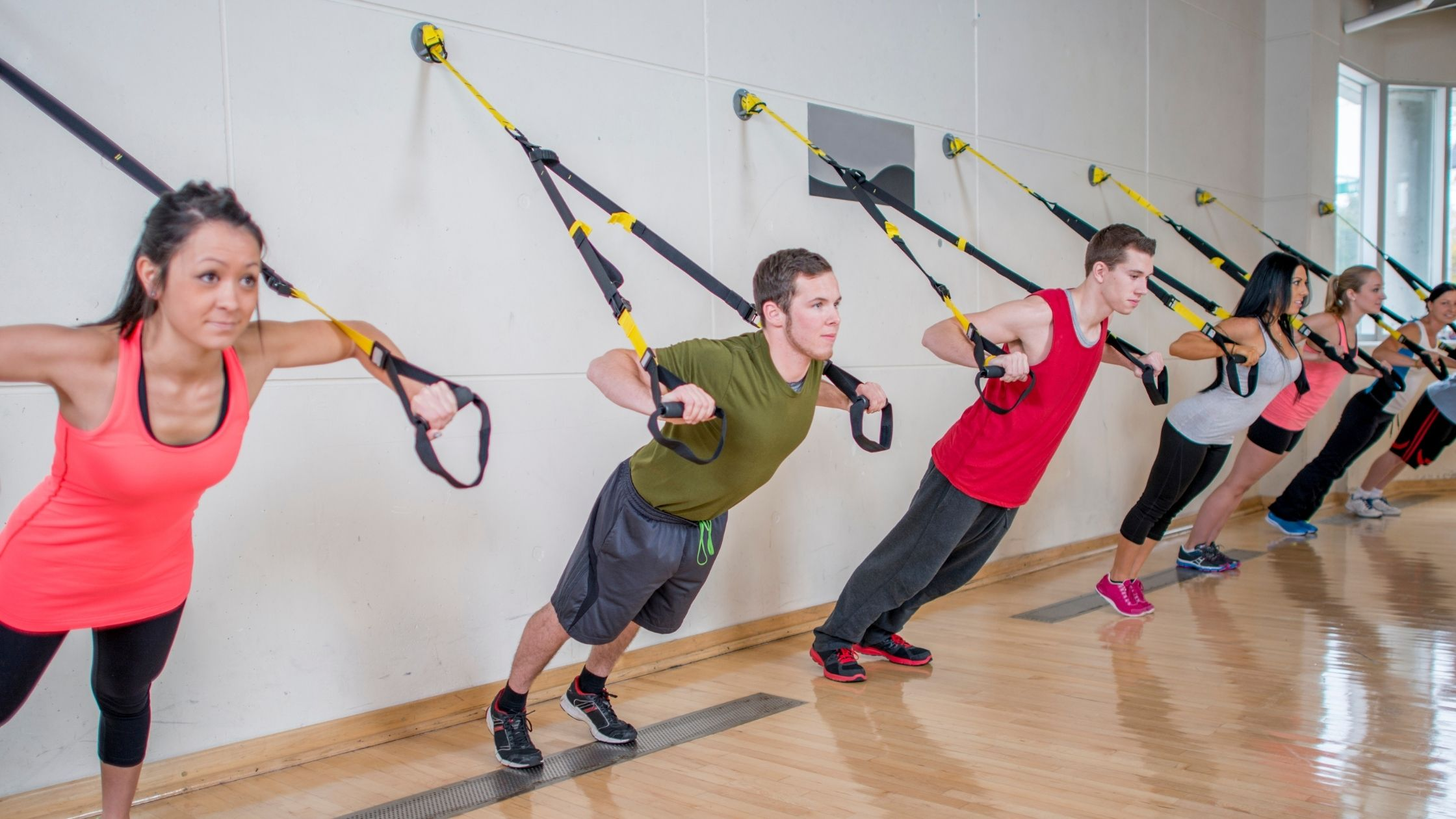 types of gyms: group fitness gym